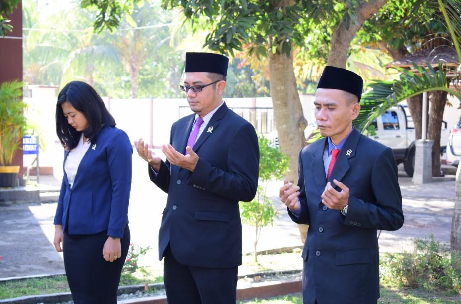 Pembacaan Pembukaan UUD Negara Republik Indonesia Tahun 1945 oleh Saudara ERMIN SAPUTRA, S.E.